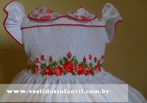 vestido bordado infantil casinha de abelha