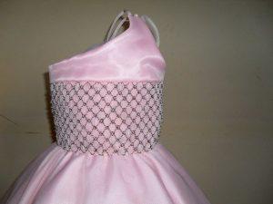 roupas de casamento infantil um ombro