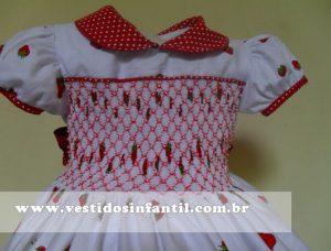 vestido social infantil morangos