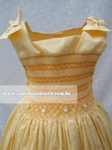 vestido infantil amarelo bordado para festa