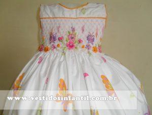 vestido branco para bebê